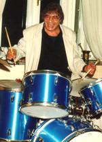 Arminio am Schlagzeug