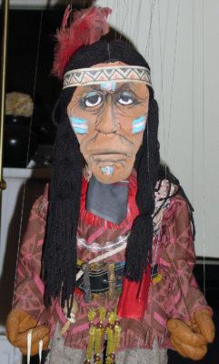 Indianer Pilatschi. Foto: Theater Arlequin Wien, Christine Rothstein