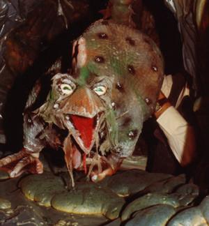 """Klappmundpuppe Basilisk aus der ORF-Produktion """"Der Basilisk"""" Wiener Sage, 1980"""