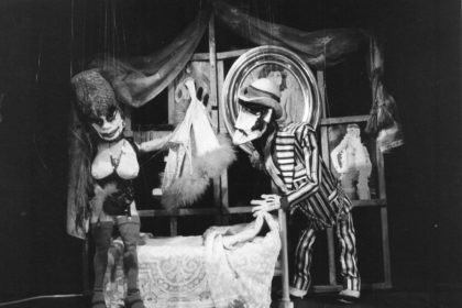 Theater Arlequin Wien: Die Dreigroschenoper mit Marionetten