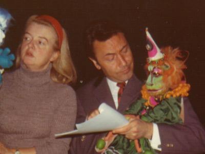 Kitty Oertl und Rolf Truxa,, Sprecher/-in in Clown Habakuks Puppenzirkus.