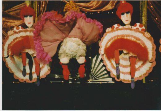 """Can-Can-Puppen von Arminio Rothstein aus der Sendung """"1,2 oder 3"""""""