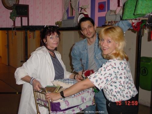 Christine, Gerald, Susi - Kulissenaufbau