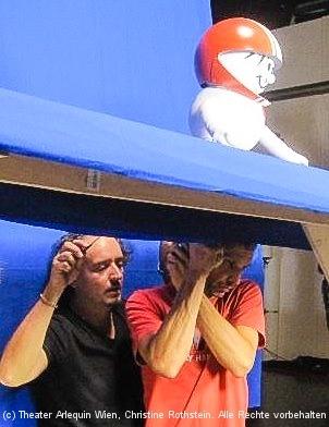 Robert Swoboda und Helmi beim Dreh im Interspot-Studio - Bluebox